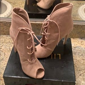 Used pink bootie (Madison)